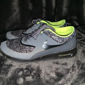 Nike Air Max Thea Black Gray Green Sneaker